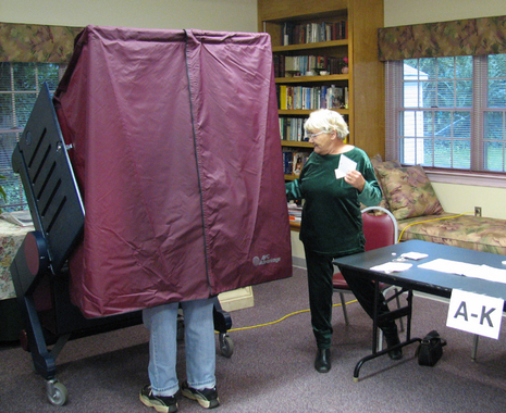 Voting_booth_legs
