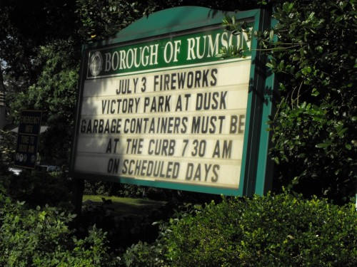 rumson-fireworks-sign