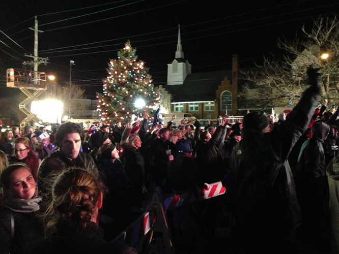 Christmas Tree Lighting In Red Bank Nj : Tree lightings to light up the green red bank