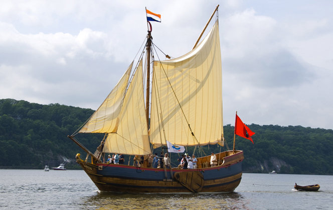 onrust-sailing-on-hudson-river-photo-by-katy-silbergerlow-res-