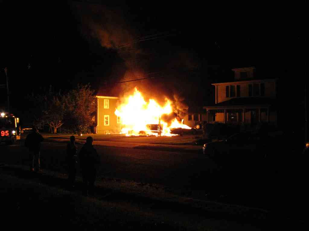 red bank woman escapes house fire red bank green. Black Bedroom Furniture Sets. Home Design Ideas