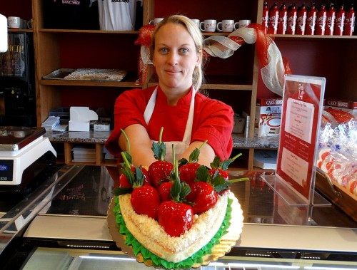 021015 carlos bakery heart