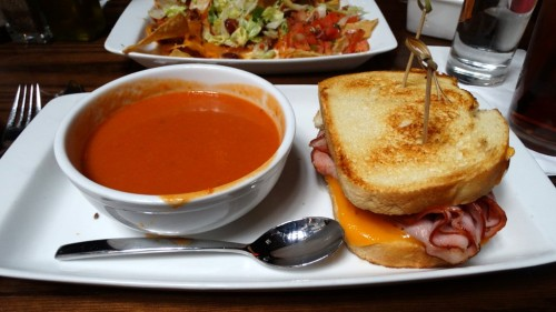 032015 robinson ale house grilled cheese