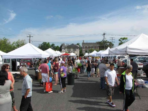 RED BANK: WALK-THRU MARKET TO RESUME