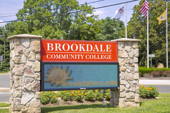 brookdale-mainsign
