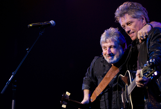 bobby_bandiera_and_jon_bon_jovi_at_hope_concert_8_2015