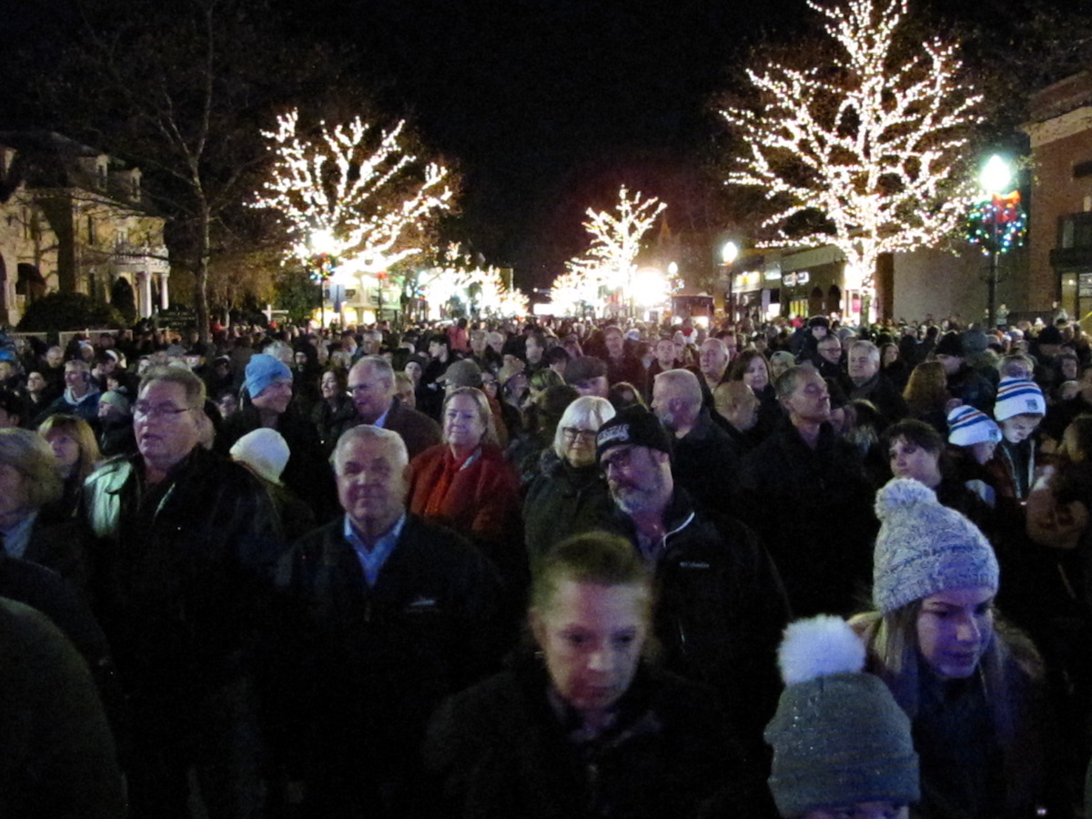 Christmas Train Ride Nj.Red Bank Holiday Express Lights Up Town For 26th Season
